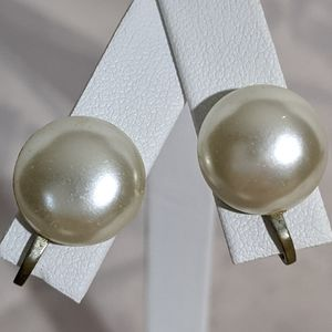 Vintage Signed Japan Pearl Screw Back Earrings